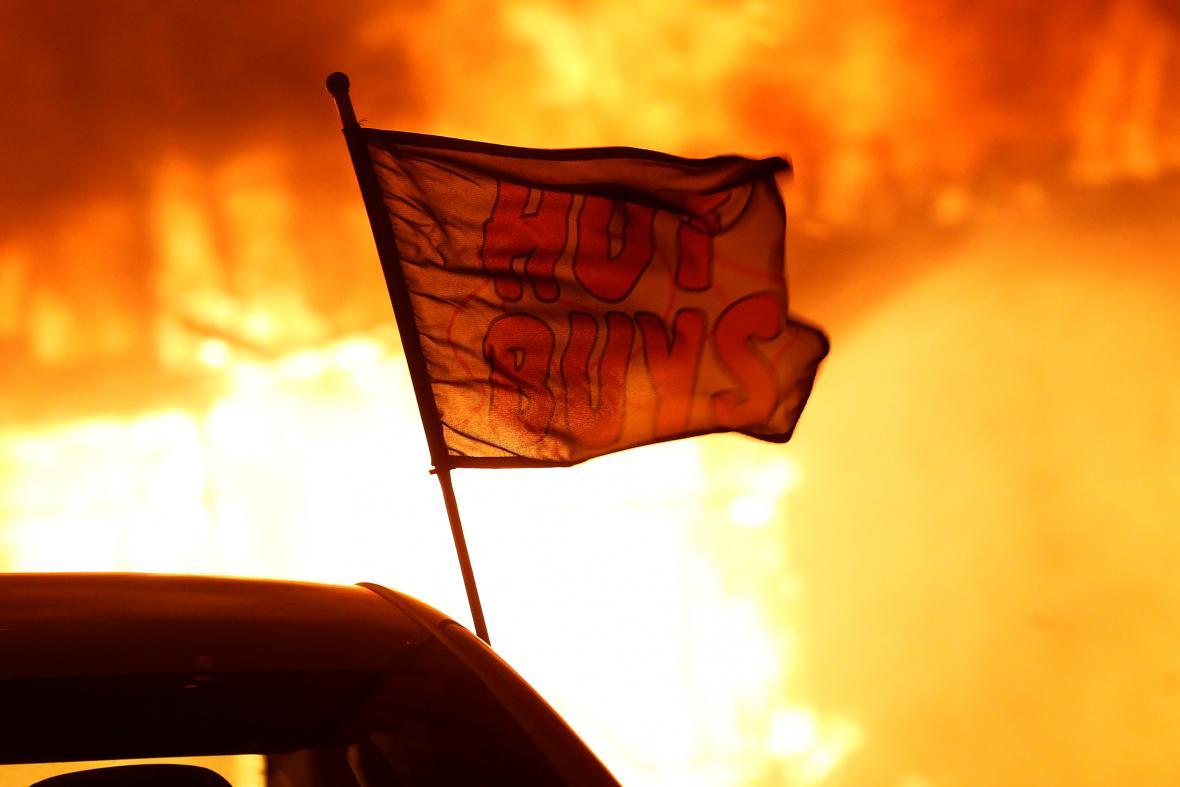 Sever Kalifornie v plamenech