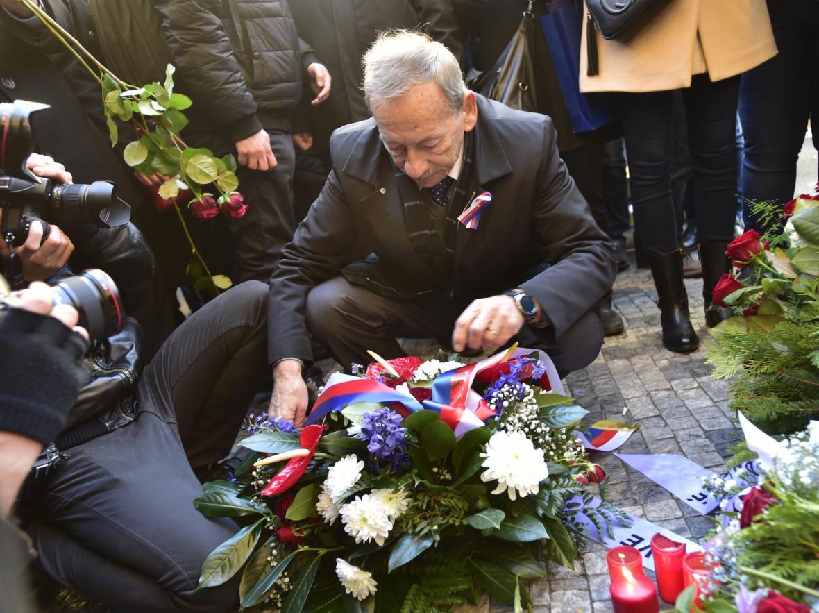 Předseda Senátu Jaroslav Kubera (ODS) na Národní třídě