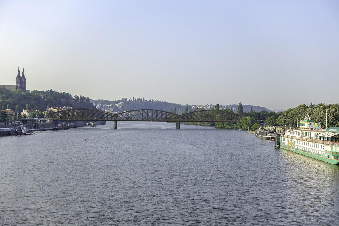 Vizualizace možné podoby nového železničního mostu podle SŽDC