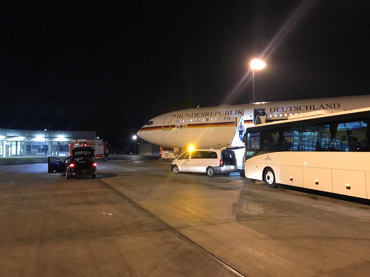 Německý vládní speciál po nouzovém přistání v Kolíně nad Rýnem