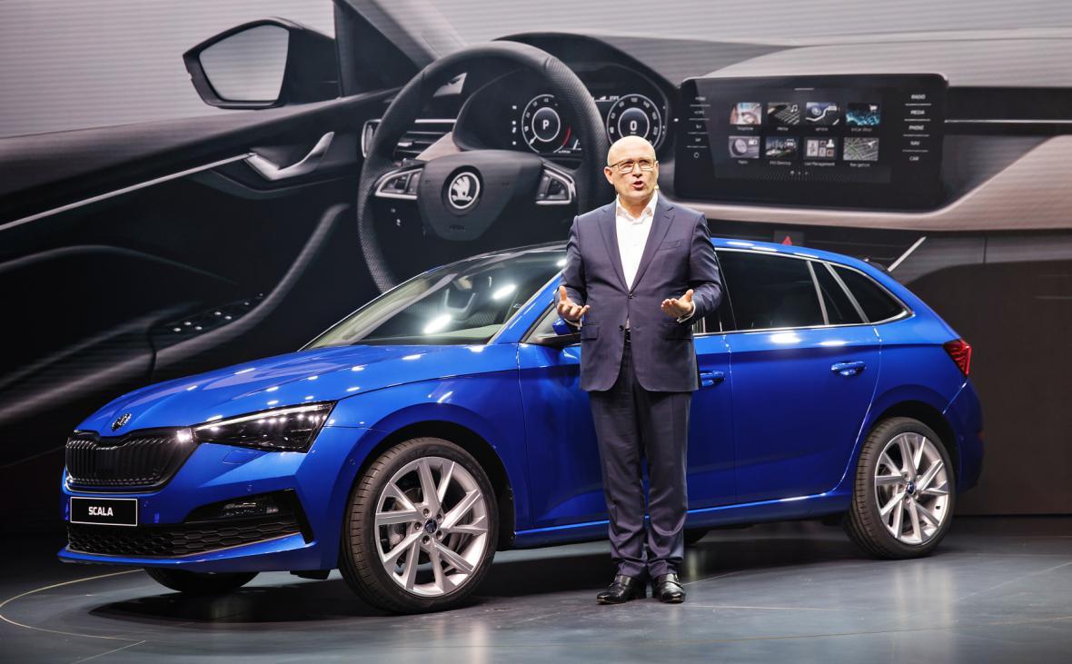 Předseda představenstva společnosti Škoda Auto Bernhard Maier představil ve světové premiéře model Škoda Scala.