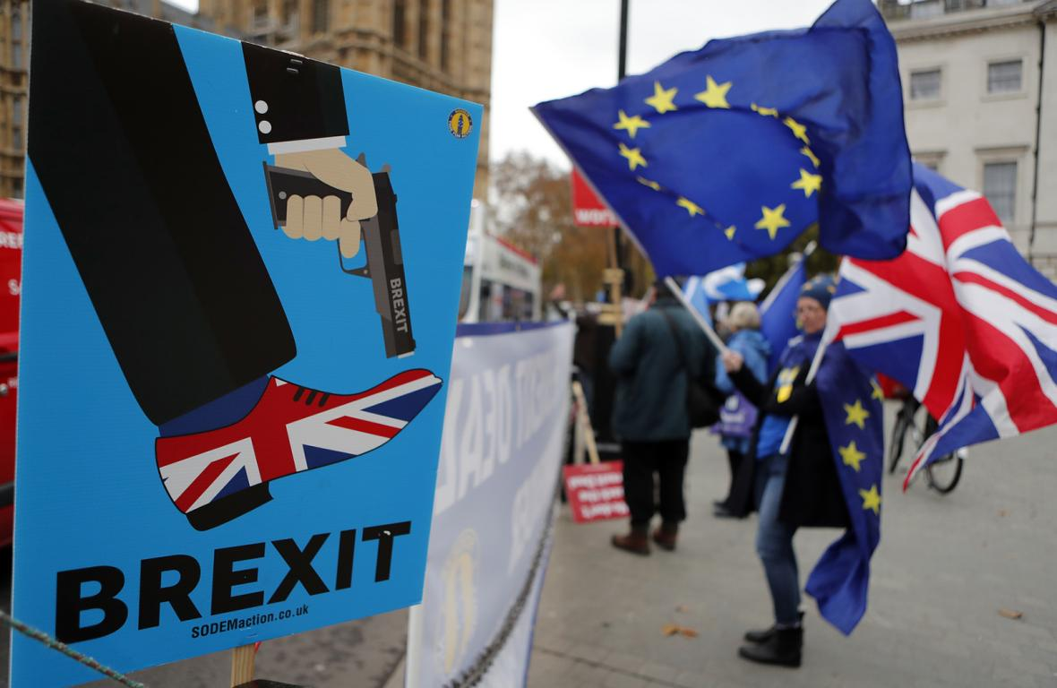 Demonstrace pro a proti brexitu