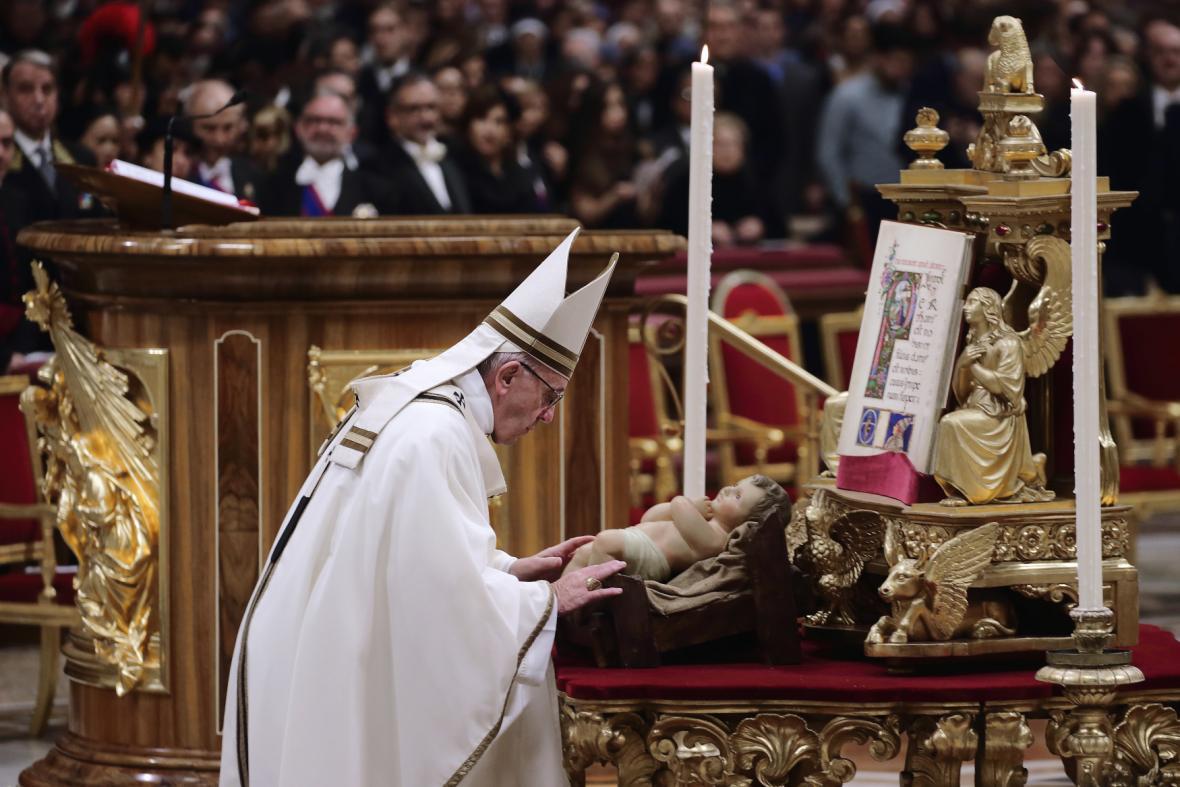 Papež František na vánoční mši ve Vatikánu