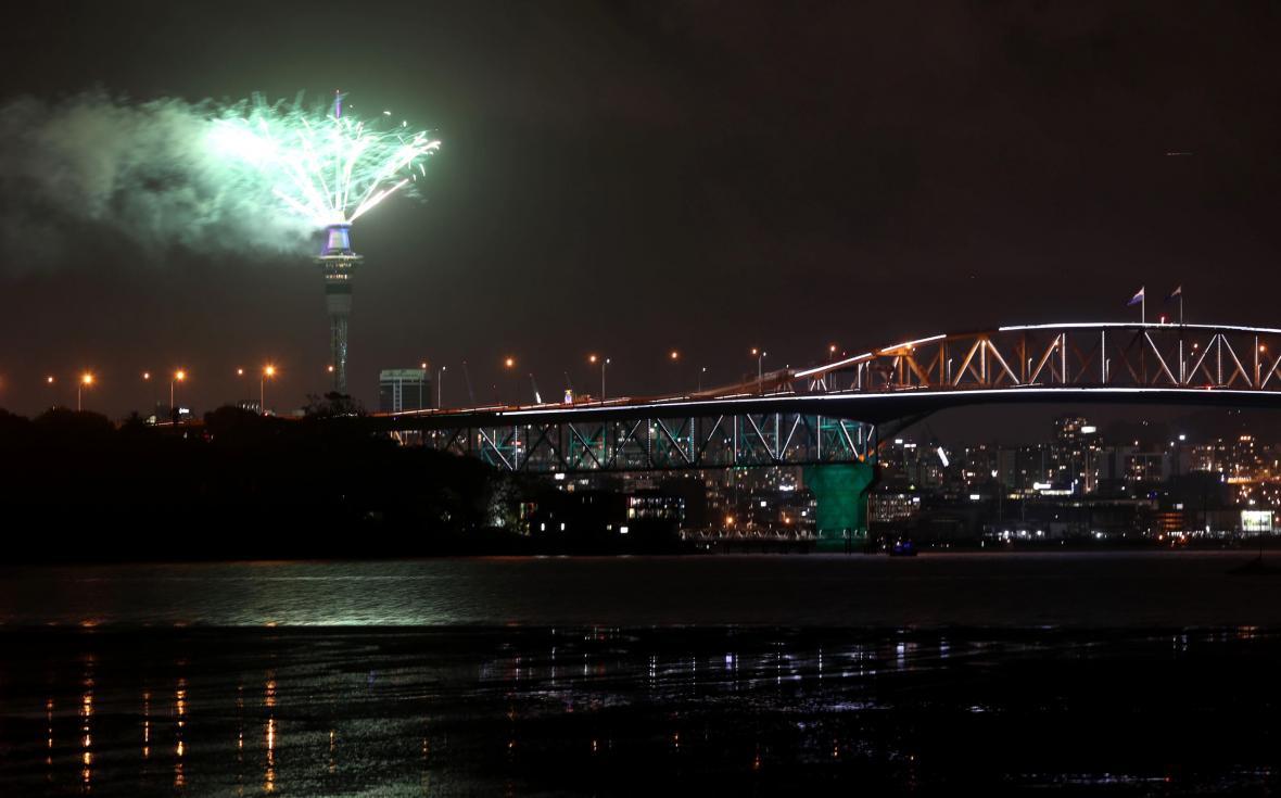 Oslavy příchodu konce roku v novozélandském Aucklandu