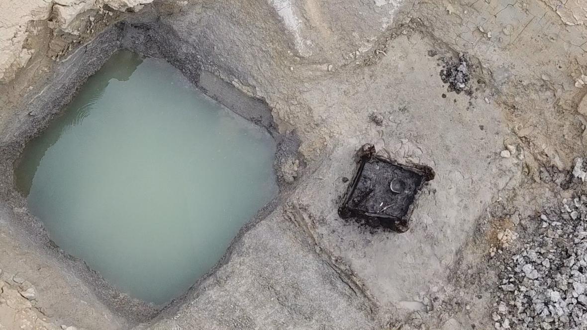 Pravěká studna a další nálezy z jejího kolí