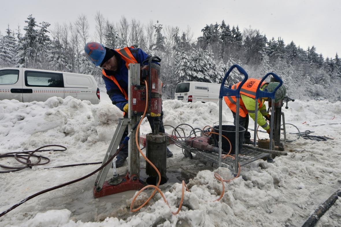 Sanace dutin na 104. kilometru dálnice D1 u Větrného Jeníkova