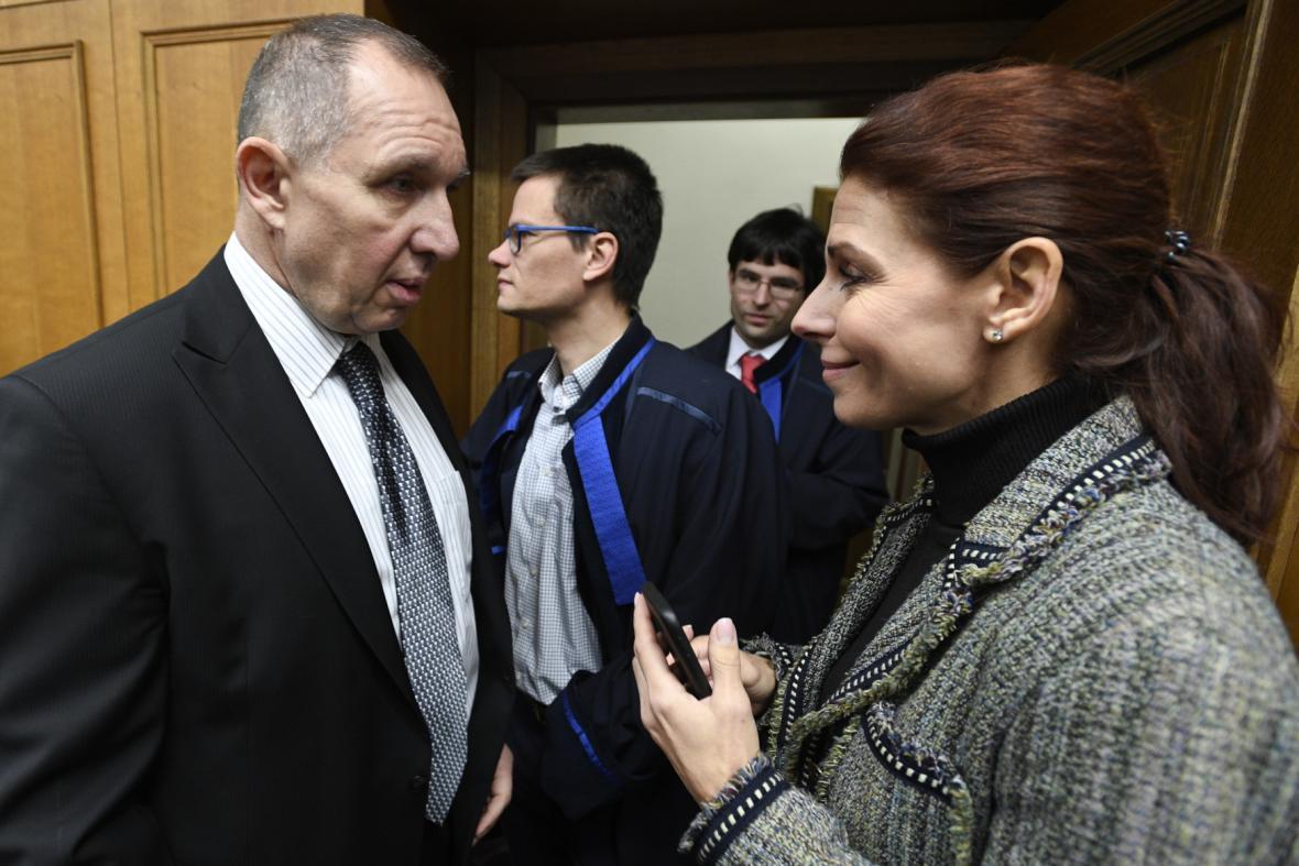Exředitelka kladenské nemocnice Kottová a její manžel exposlanec Petr Kott