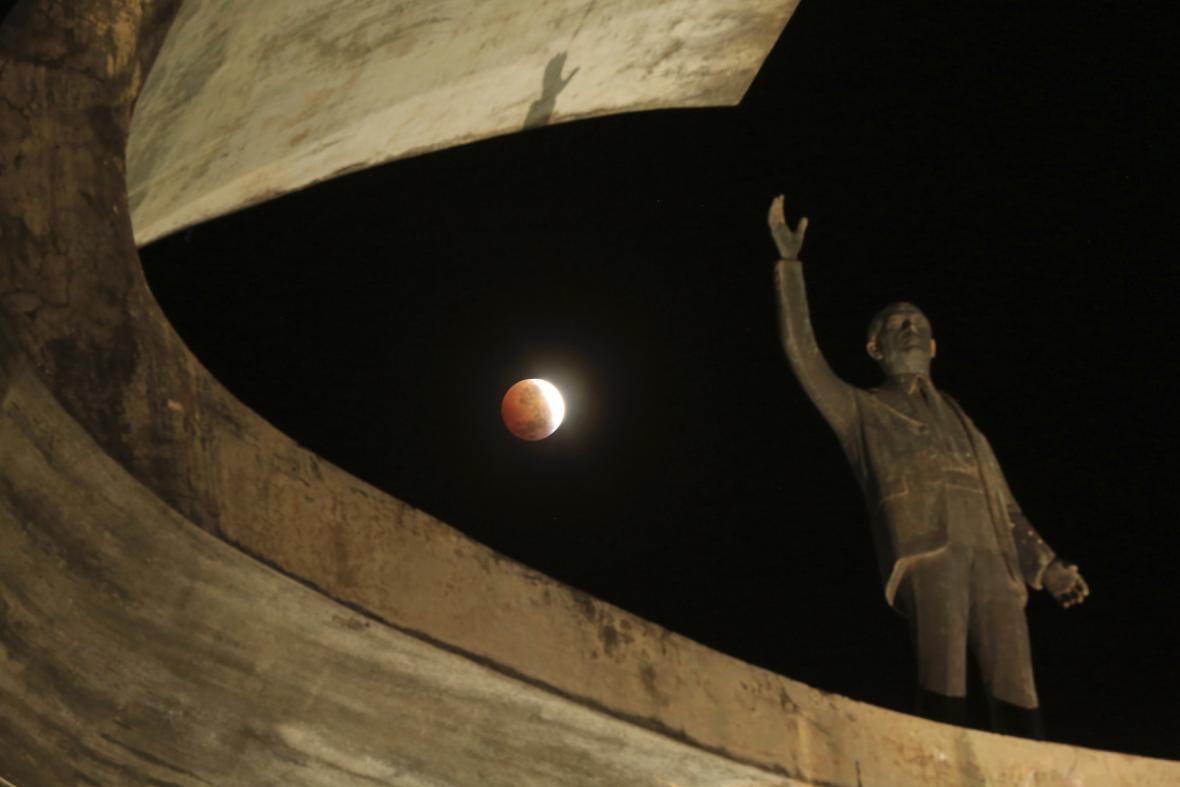 Zatmění Měsíce nad Brazílií