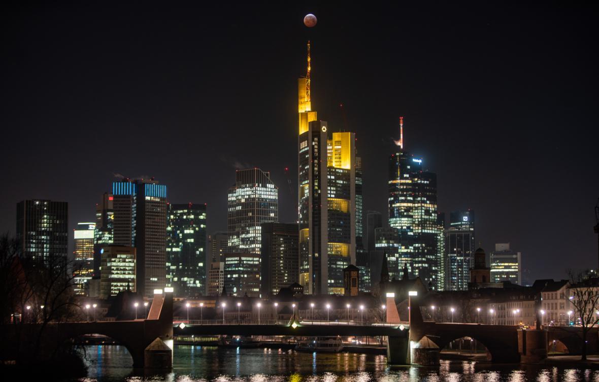 Zatmění Měsíce nad Frankfurtem