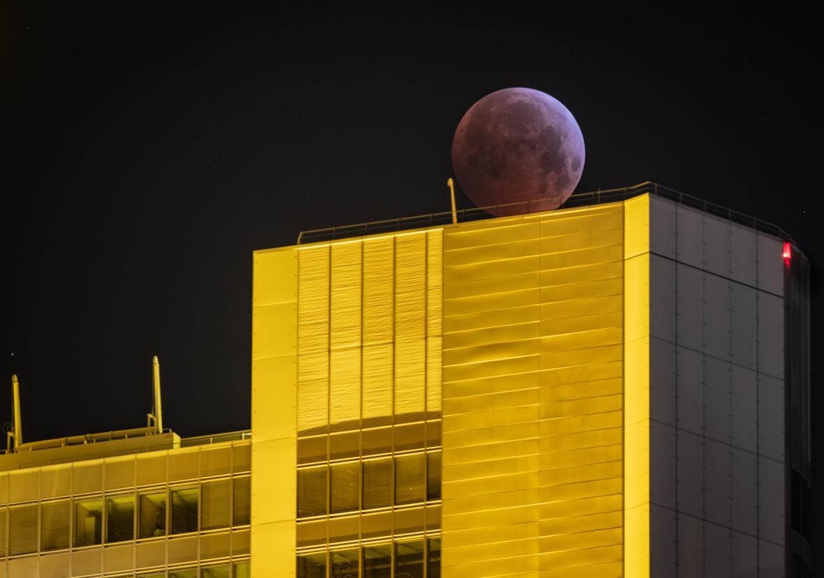 Zatmění Měsíce nad Německem