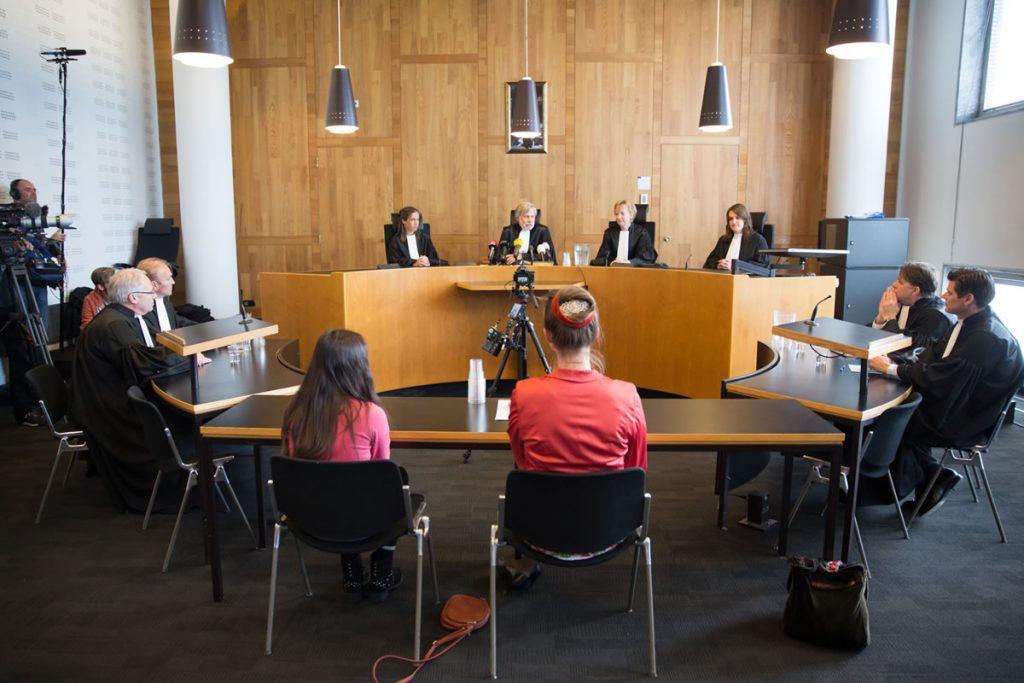 Soudní přelíčení případu, v němž nadace Urgenda zažalovala nizozemskou vládu za pasivní přístup ke klimatické politice