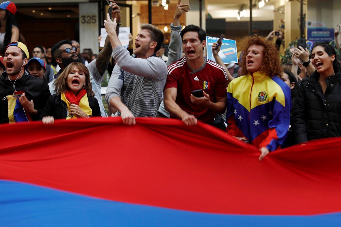 Protesty proti venezuelskému prezidentovi Madurovi