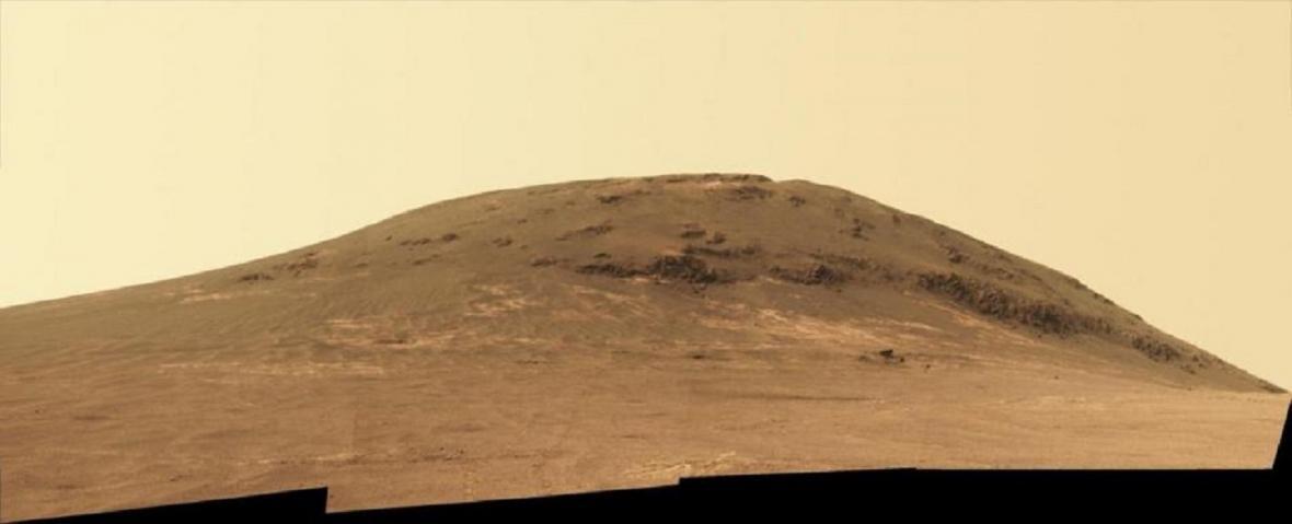 Fotografie pořízené sondou Opportunity na Marsu