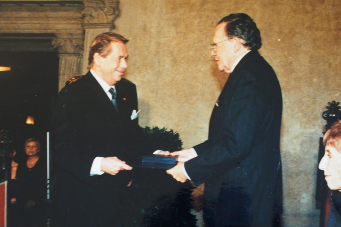 Peter Demetz a Václav Havel v 90. letech