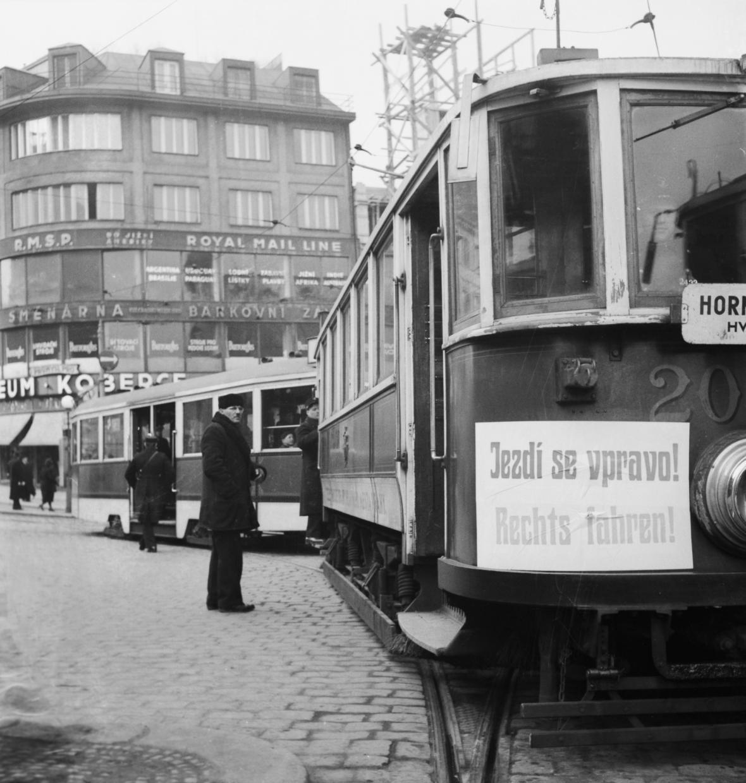 Velká propagační kampaň v Praze v březnu 1939 k zavedení jízdy vpravo