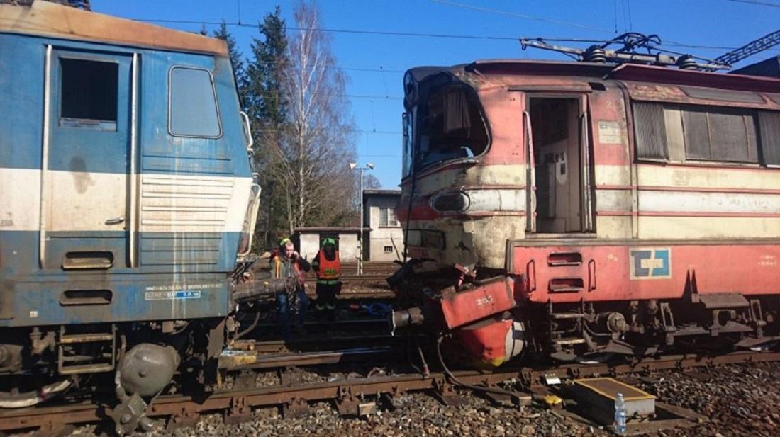 V Havlíčkově Brodě se srazil nákladní vlak s lokomotivou. Nikdo se nezranil 4a4a848ee3