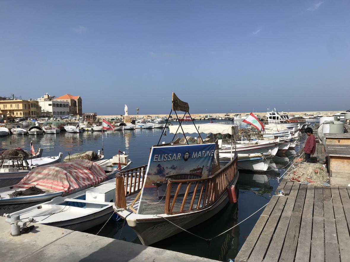 V Týru je i malebný přístav