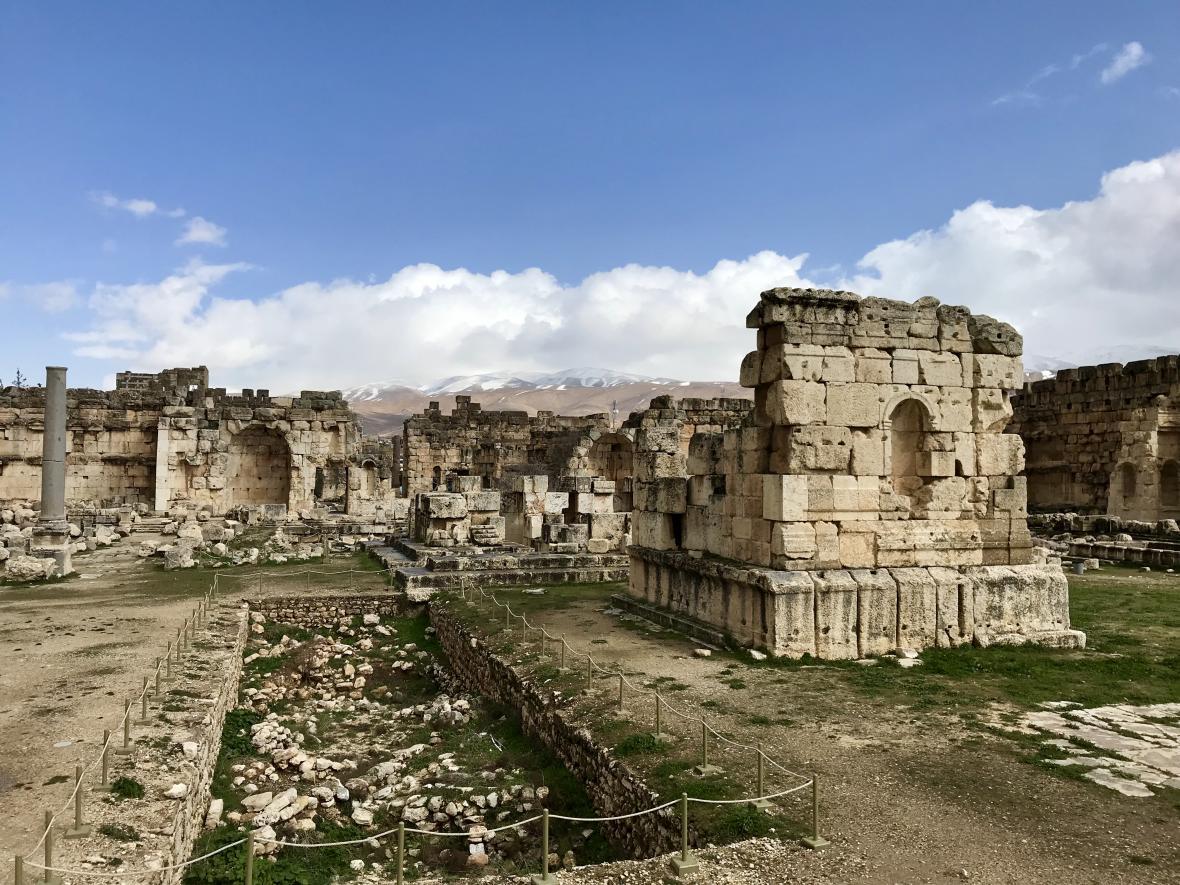 Díky své poloze je zatím Baalbek relativně málo navštěvovaný turisty