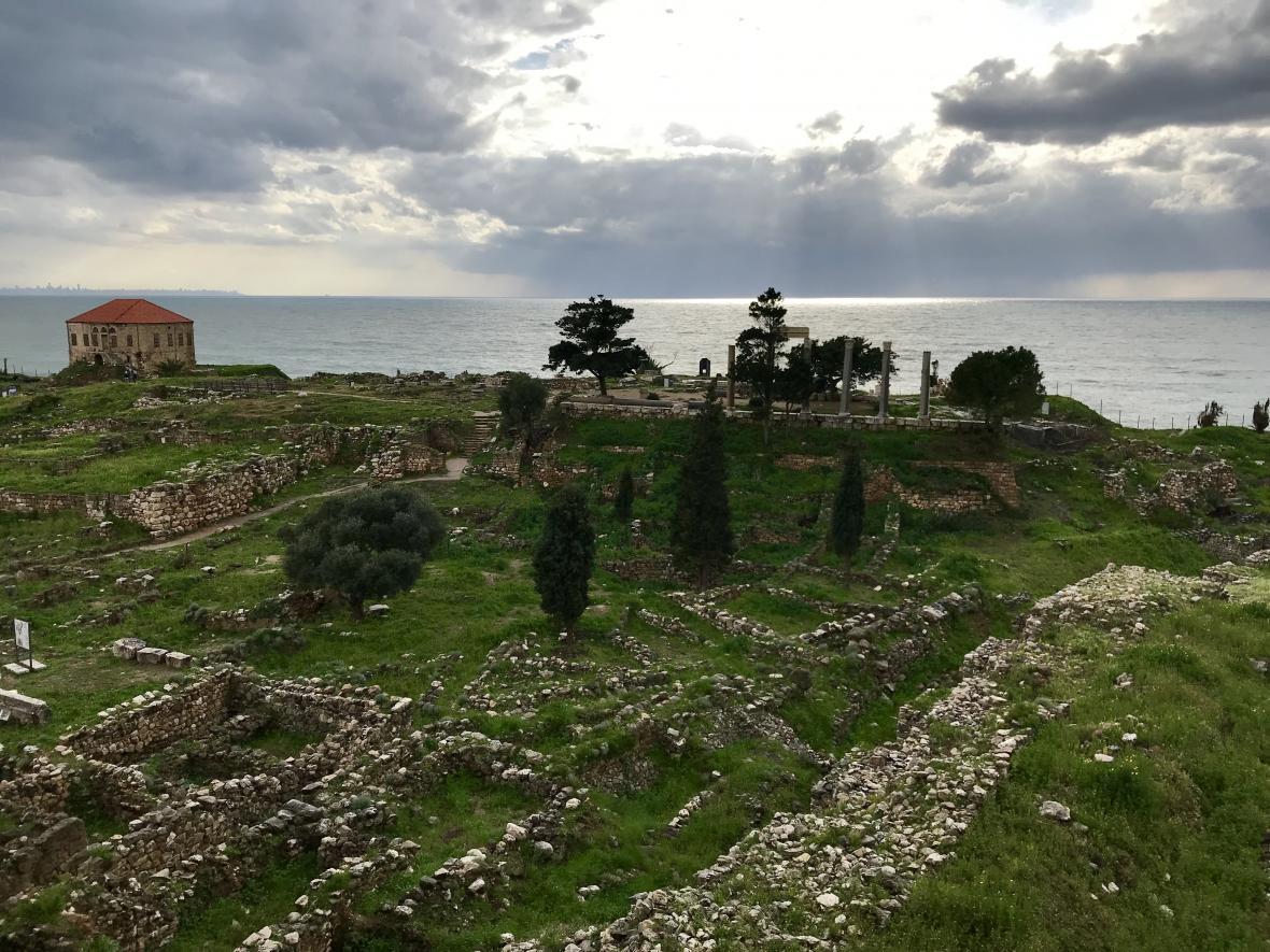 Výhled na ruiny v Byblosu