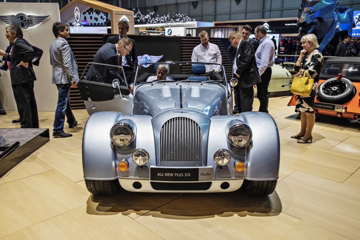 Bugatti La Voiture Noire je zakázkový vůz inspirovaný modelem Bugatti 57 SC Atlantic, který vlastnil sám Jean Bugatti, syn zakladatele. La Voiture Noire byla postavena v jediném exempláři. Zákazník za vůz zaplatil neskutečných 427,7 milionů korun.
