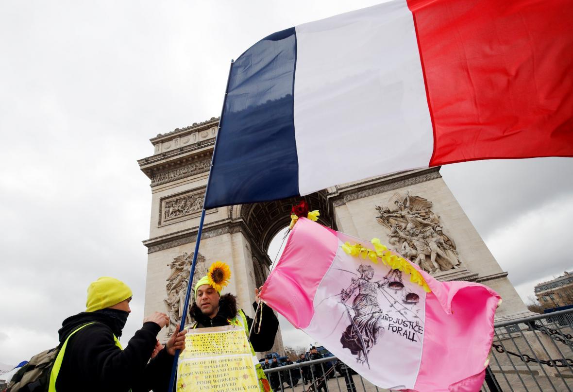 Další protest takzvaných žlutých vest v Paříži