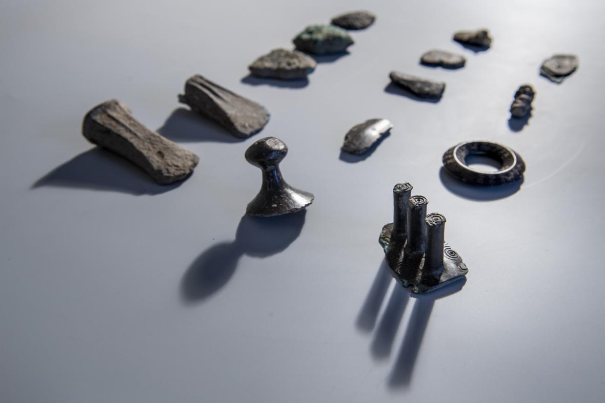 Bronzový poklad nalezený na Královéhradecku