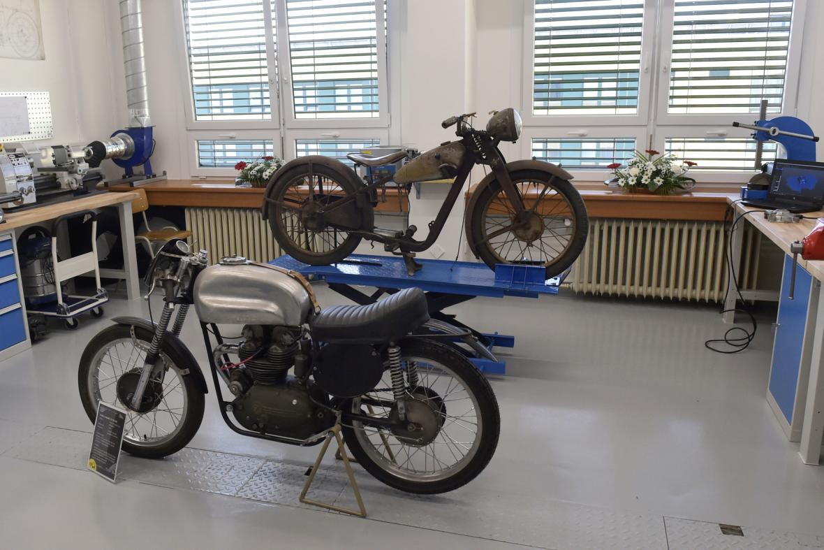 Restaurátorská dílna na motocykly