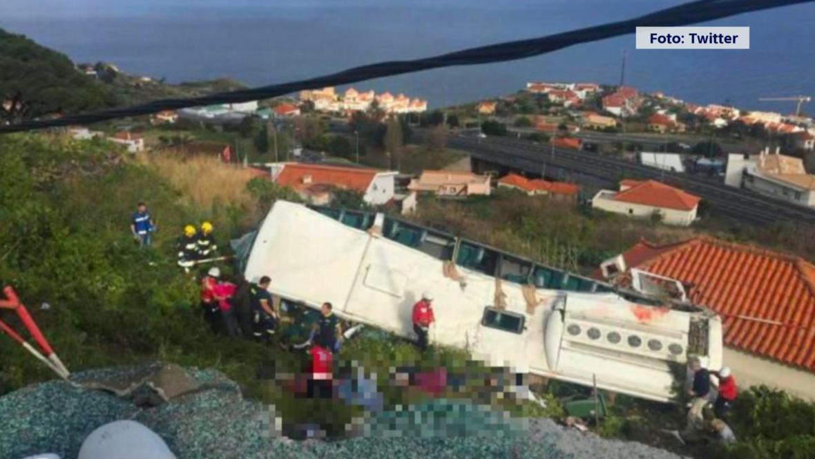 Převrácený autobus na Madeiře