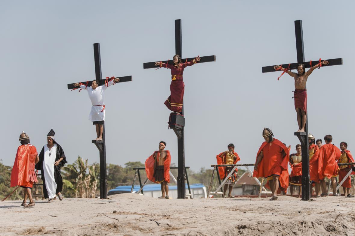 Věřící si připomněli ukřižování Krista