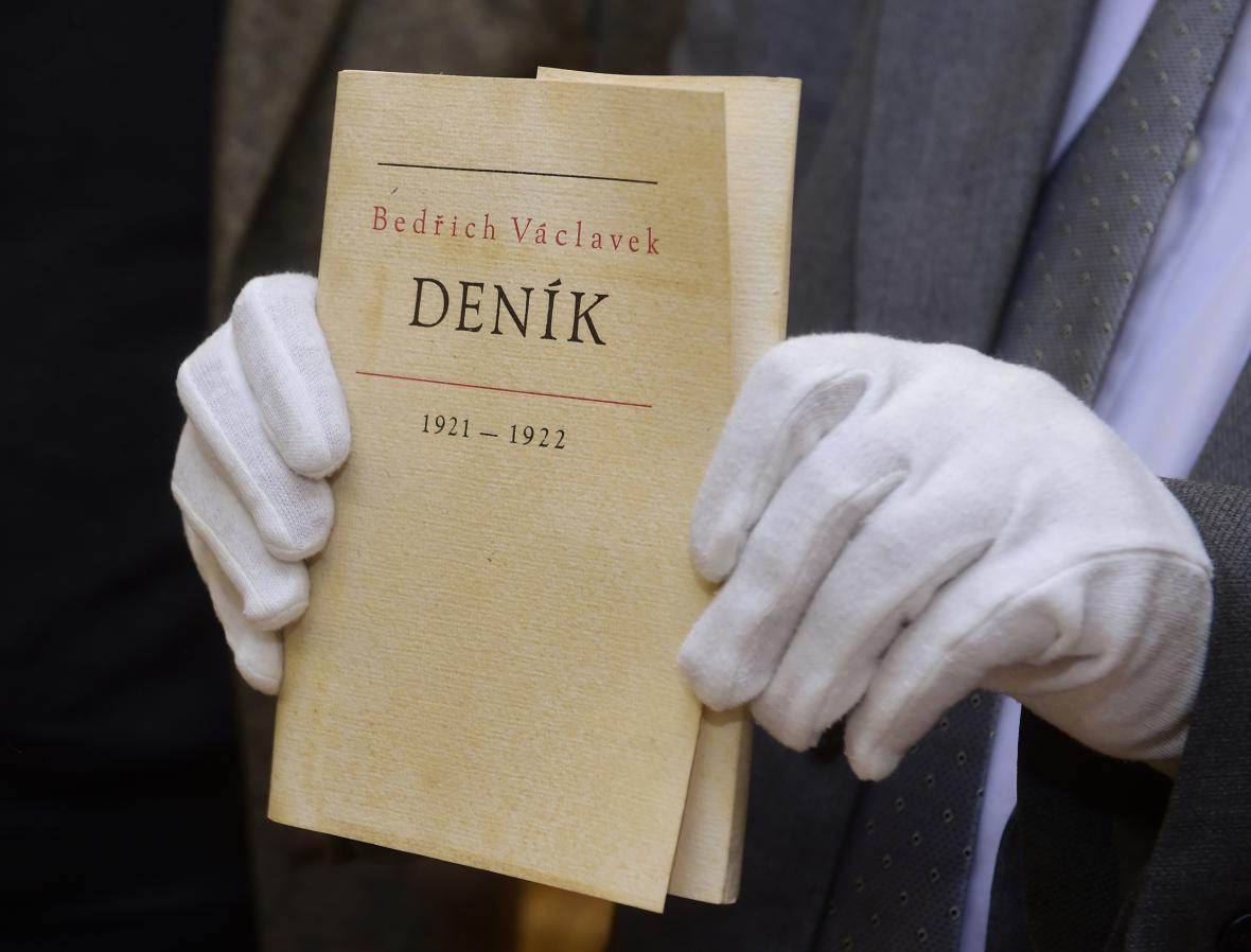 Publikace literárního teoretika a kritika Bedřicha Václavka.