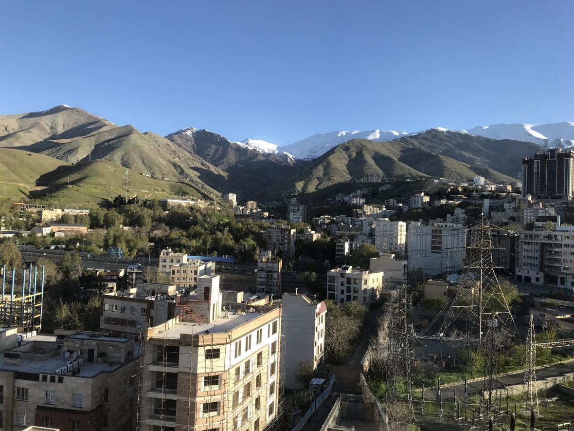 Výhled z hotelu na Teherán