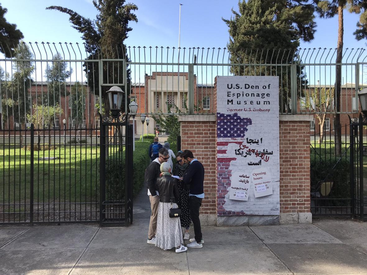 Z bývalé ambasády USA je nyní muzeum americké špionáže
