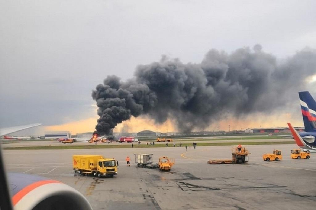 Nehoda letadla v Moskvě si vyžádala 41 obětí