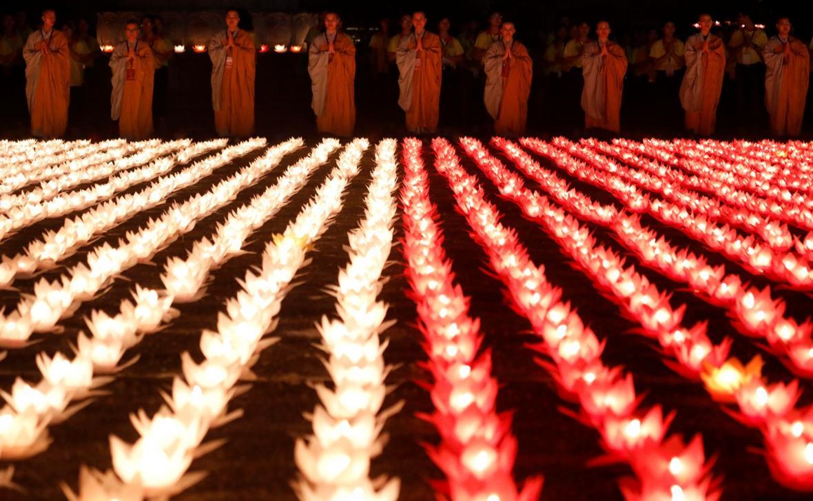 Milióny věřících oslavují Vesak day