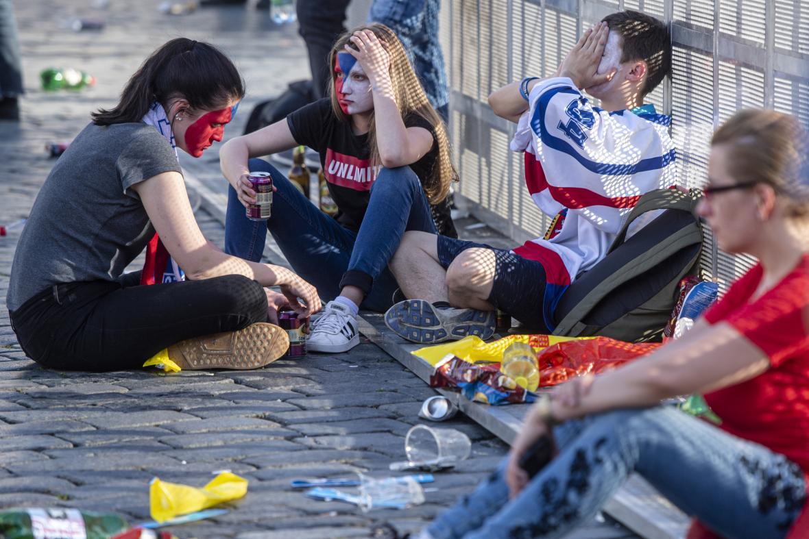 Fanoušci hokeje sledovali boje o medaile i na Staroměstském náměstí v Praze