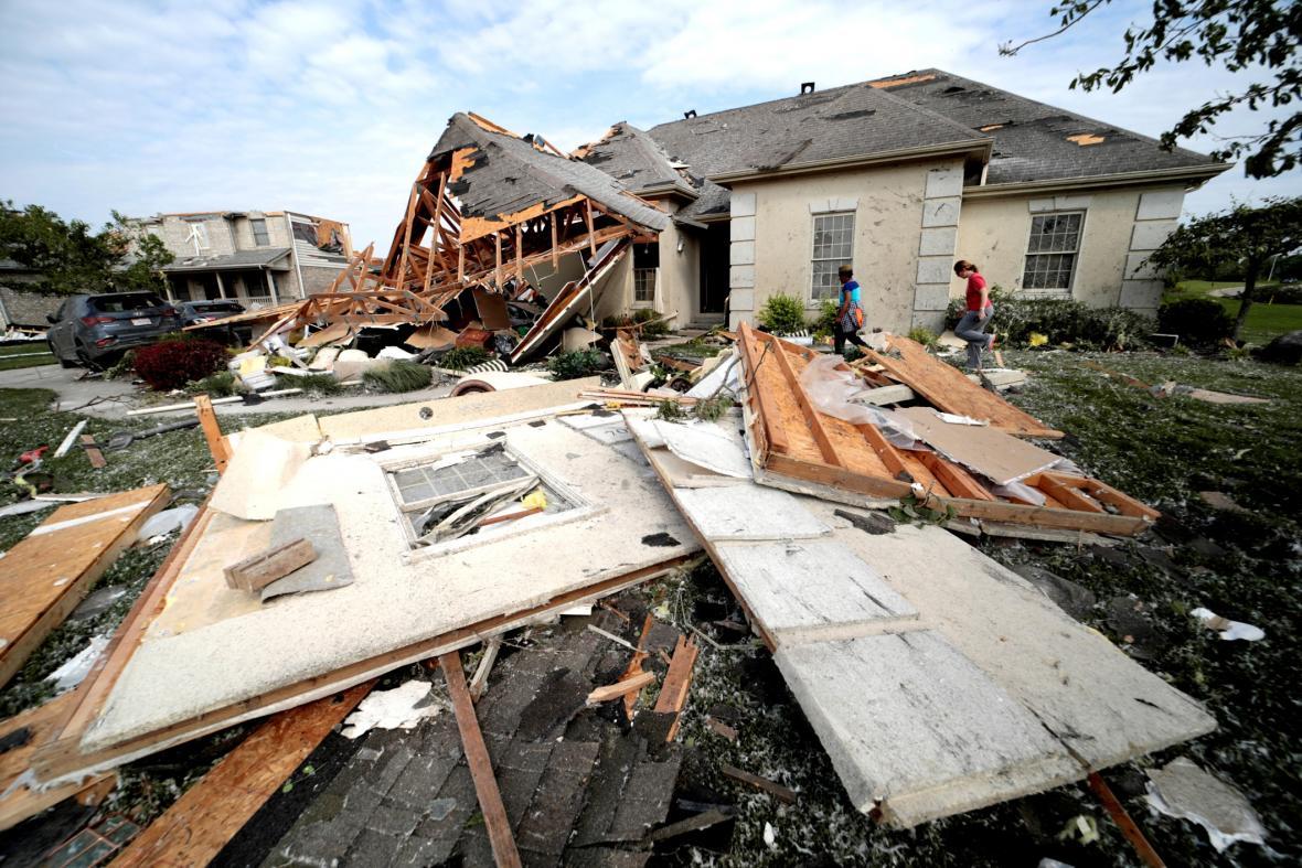 Tornáda ničí sever a střed USA