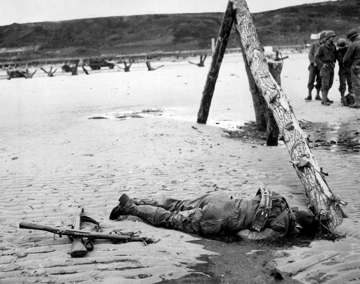 Den-D ve fotografiích z roku 1944
