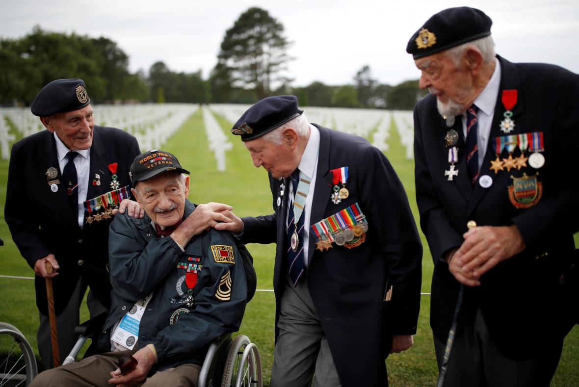 Vzpomínkový den 75 let od vylodění spojeneckých vosk v Normandii