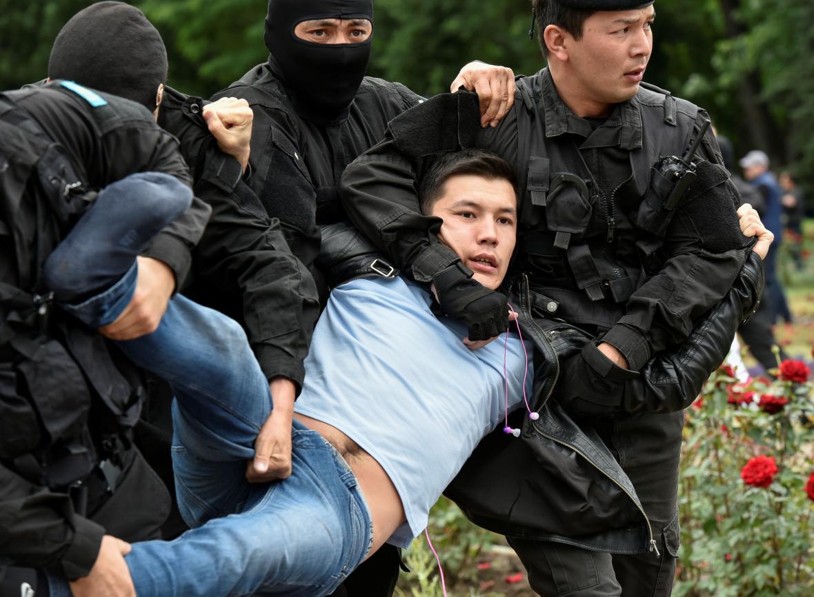 Demonstrace proti neférovosti voleb v Kazachstánu