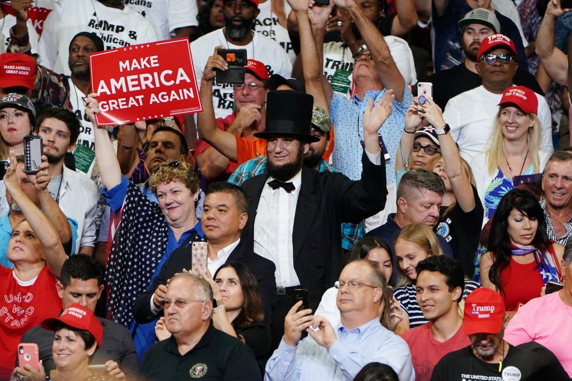 Donald Trump oznamuje kandidaturu na druhý prezidentský mandát