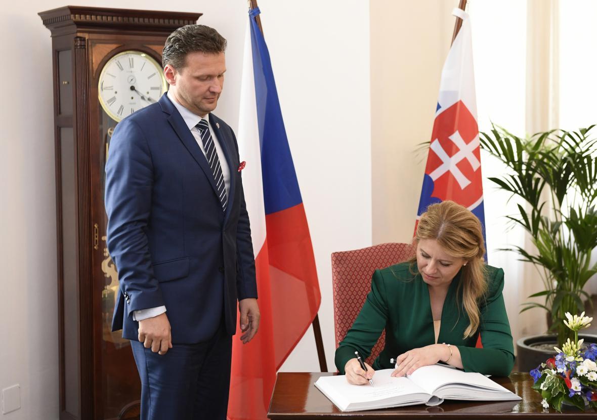 Prezidentka Zuzana Čaputová s předsedou Poslanecké sněmovny Radkem Vondráčkem