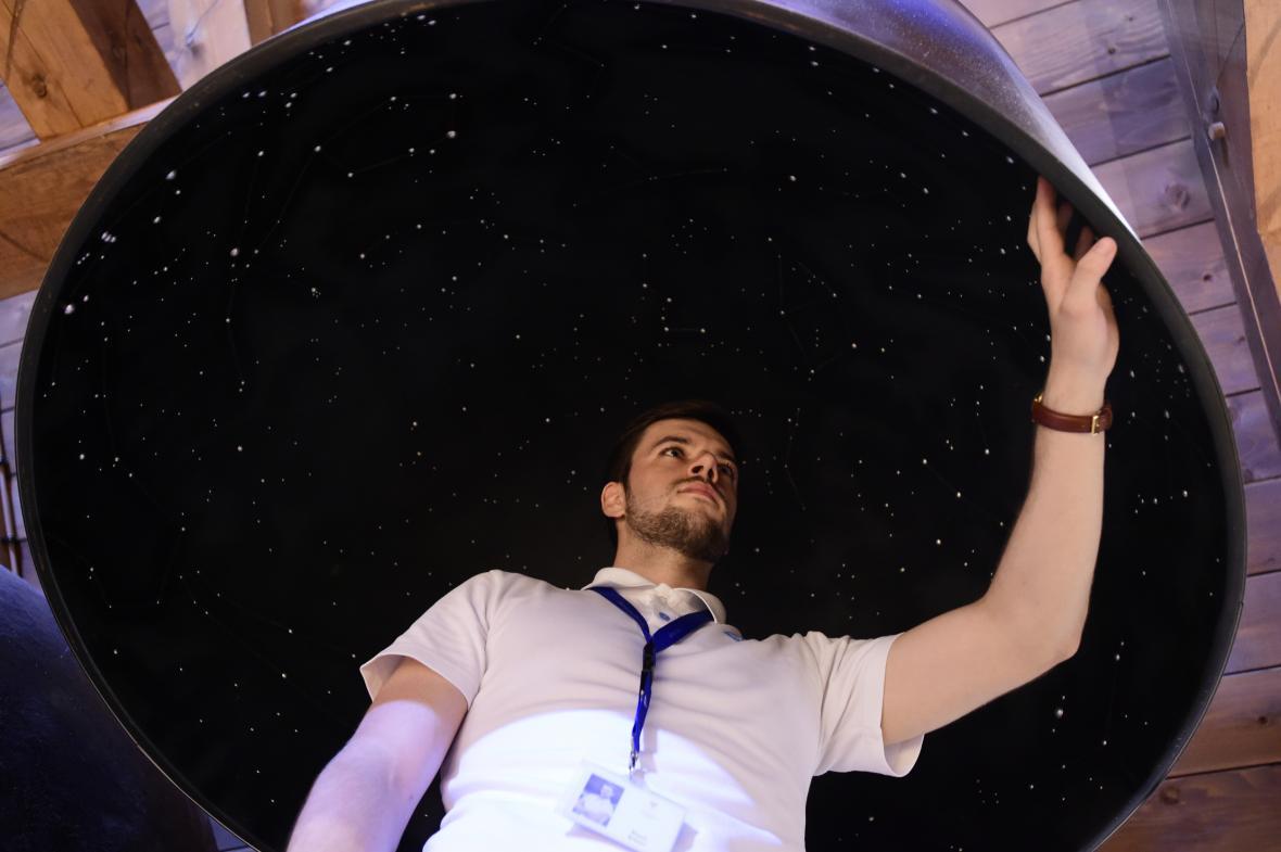 Dotykový model hvězdné oblohy
