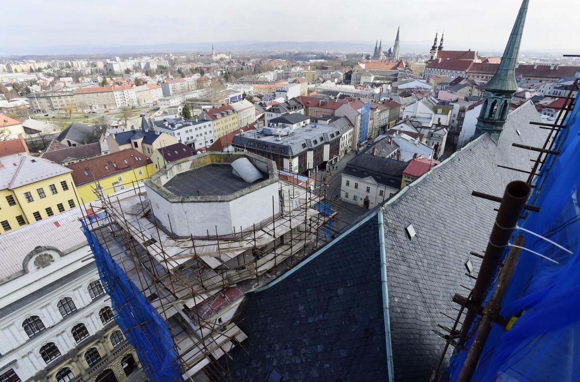 Pohled na centrum Olomouce z věže kostela sv. Mořice