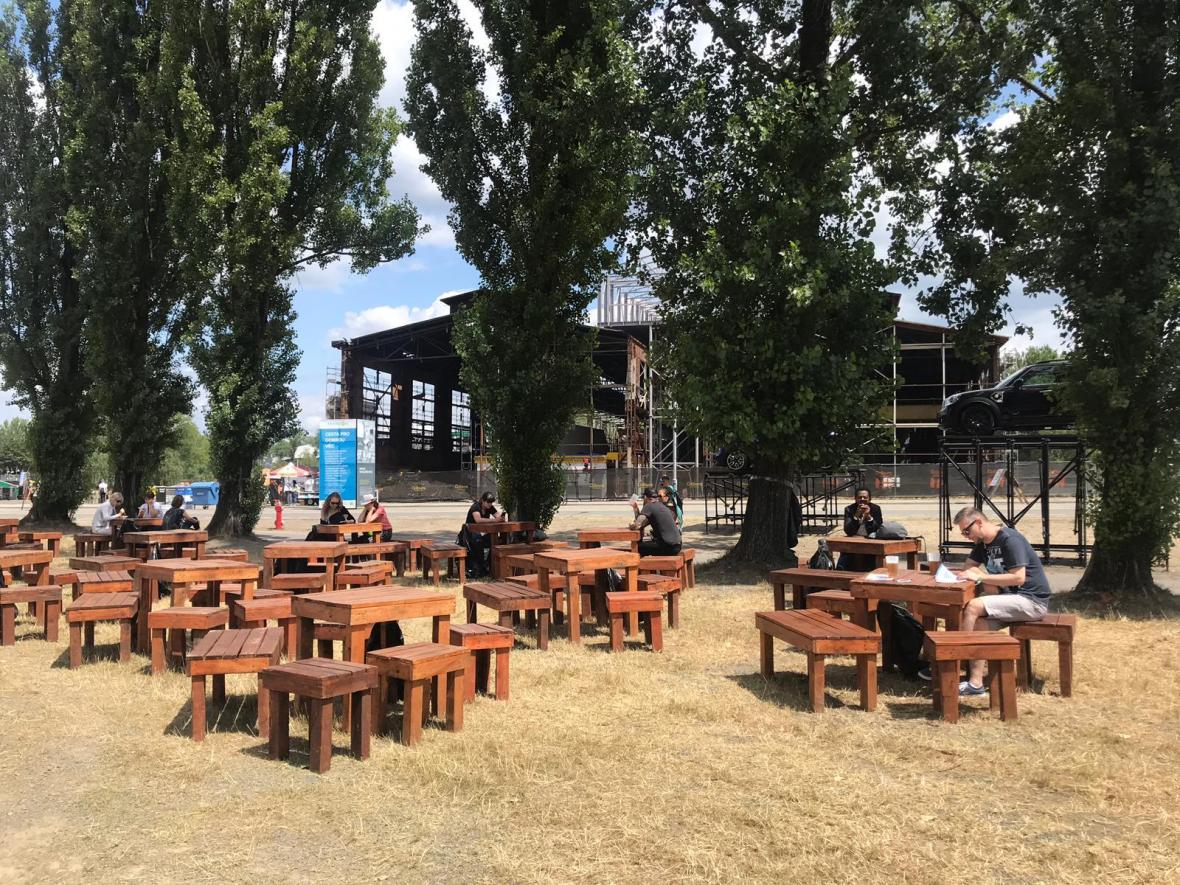 Do areálu Dolních Vítkovic přicházejí první návštěvníci Colours of Ostrava