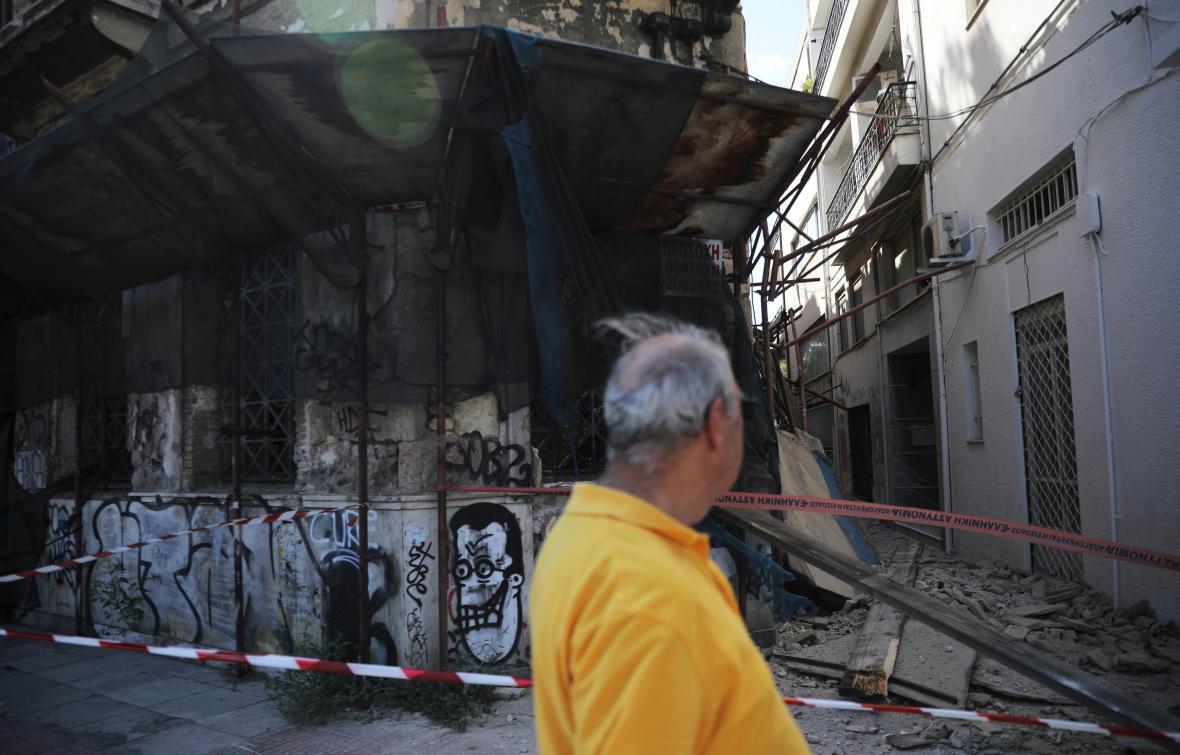 Budovy poničené zemětřesením