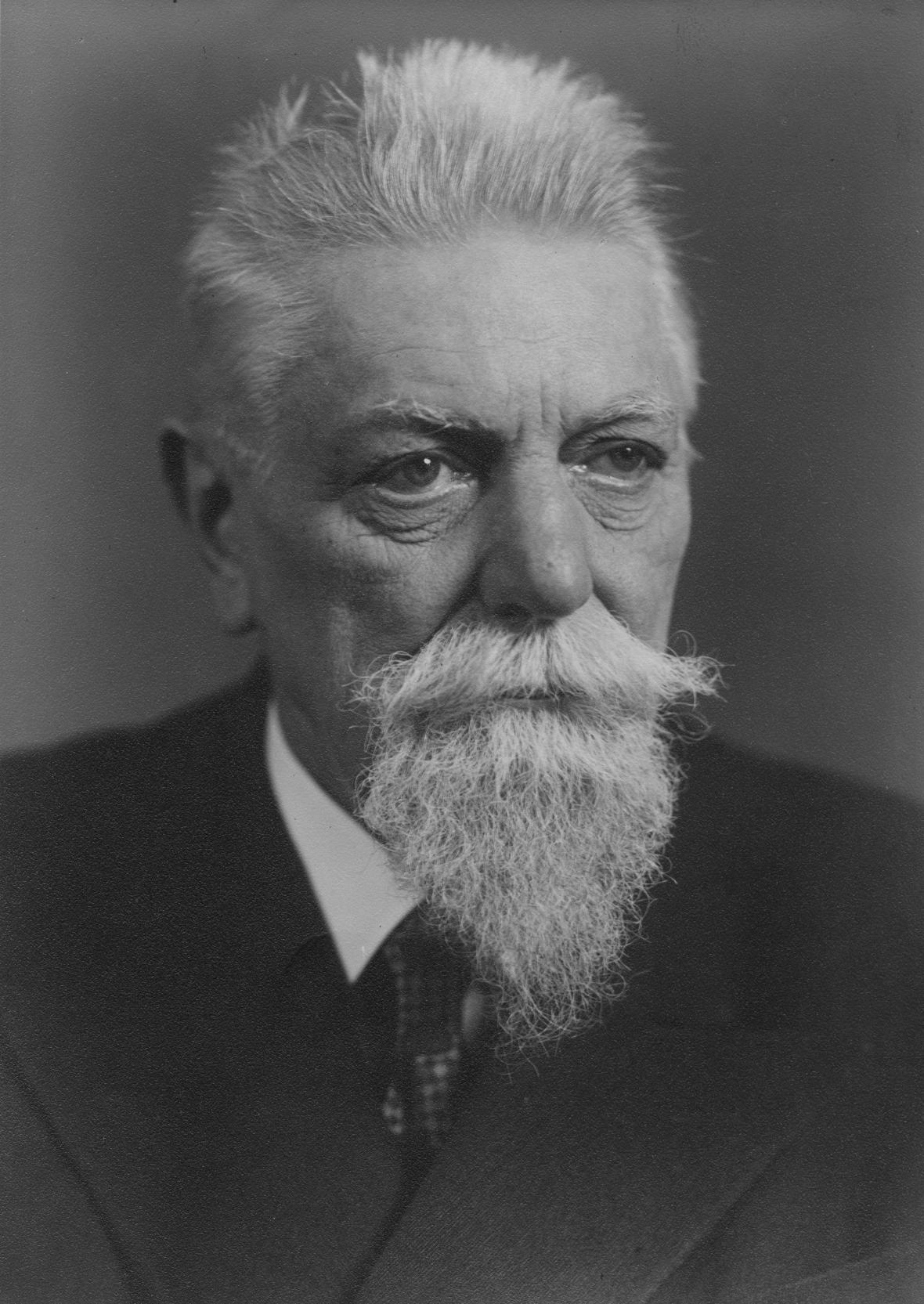 Portrét zakladatele české egyptologie Františka Lexy