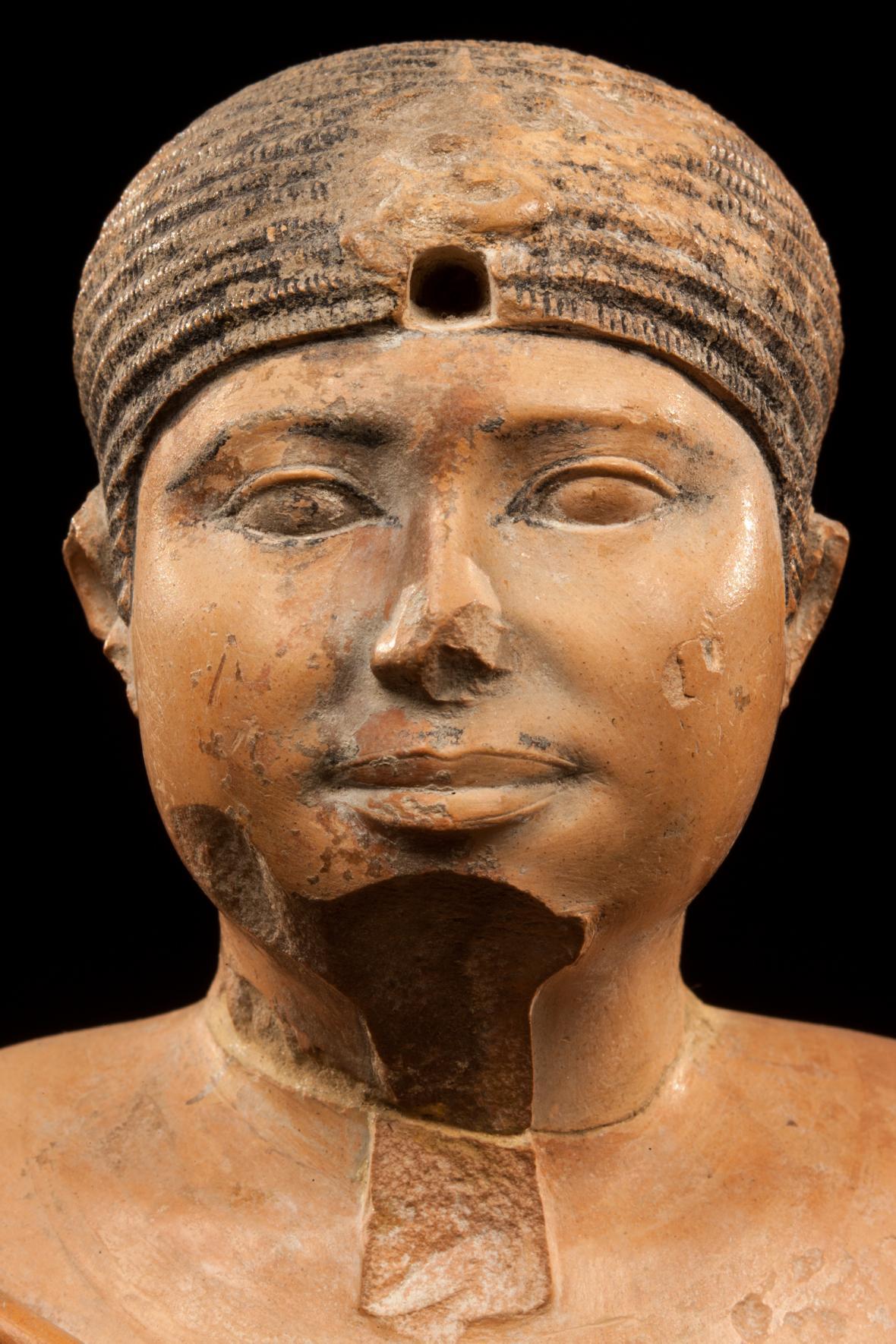 Nejkrásnější z královských soch panovníka Raneferefa objevená v jeho zádušním chrámu