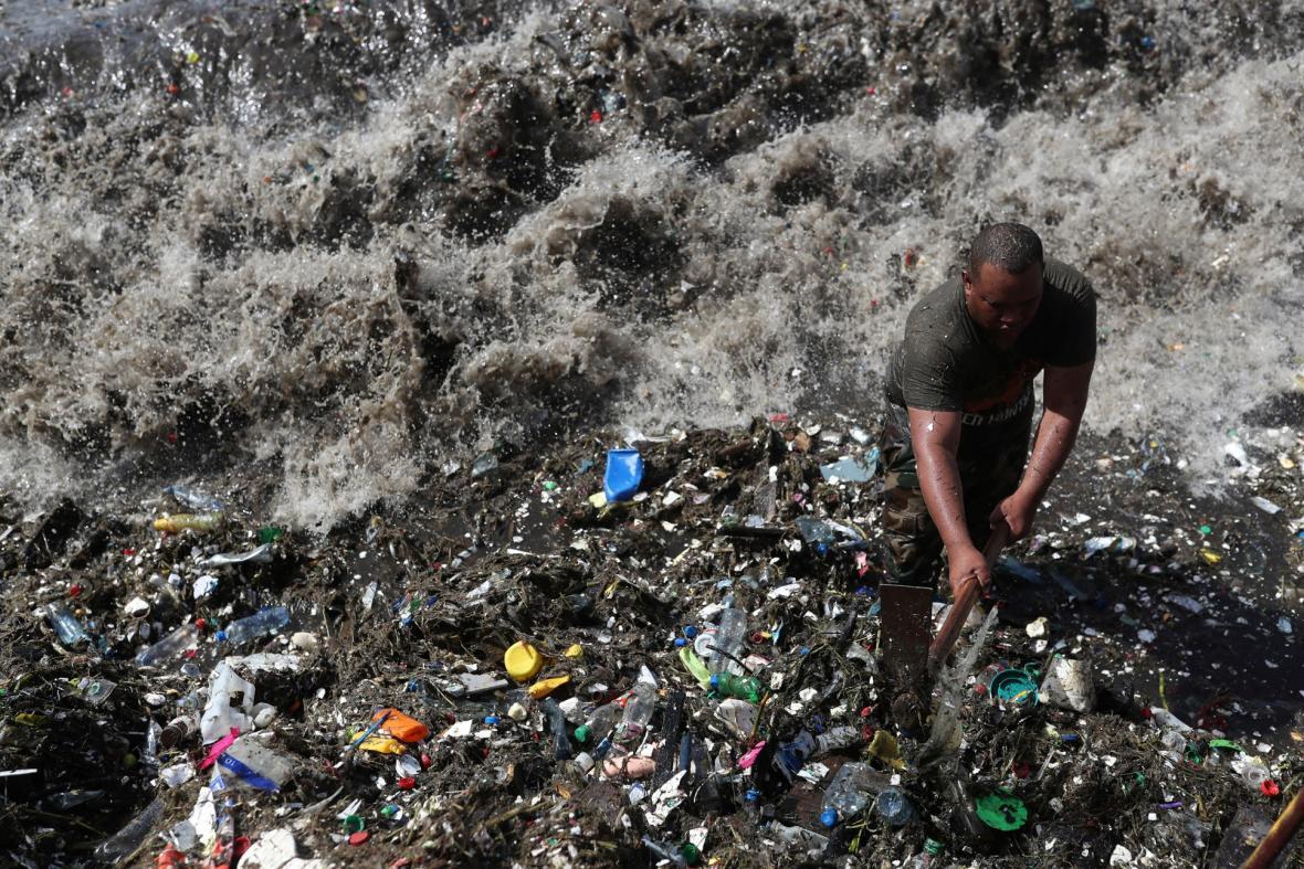 Plasty putují oceány