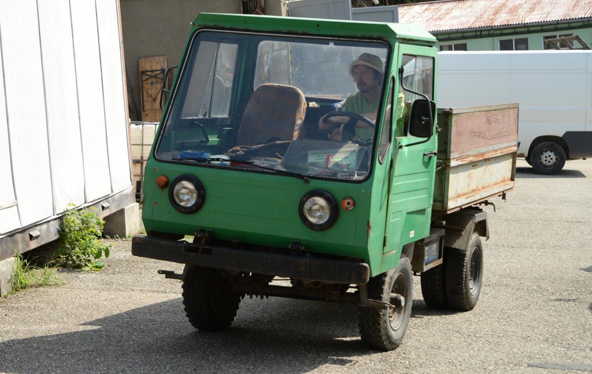Původní vozidlo, které zaměstnanci zoo používali od 70. let