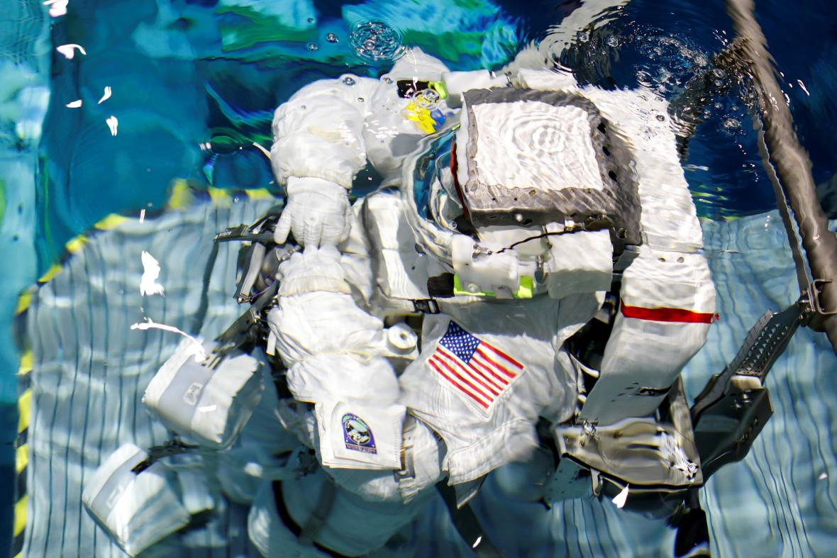 Veteráni z NASA trénují na turistické lety do vesmíru
